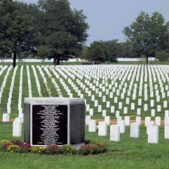 Arlington_National_Cemetery_-_9-11_Memorial_to_Pentagon_Victims_-_SW_side_with_tombstones_-_2011